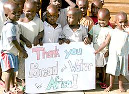 09-Kenya-LCH-children-with-